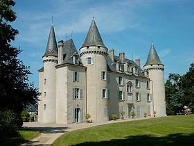 le chateau-mairie de Nexon