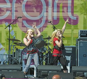 Clique Girlz - The group onstage in 2008