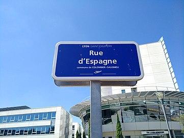 Colombier-Saugnieu - Rue d'Espagne - plaque.jpg