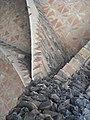 Columna de la Cripta de la Colònia Güell.JPG