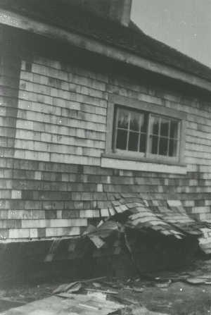 1946 Vancouver Island earthquake - House failure in Comox