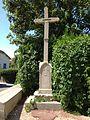Croix à proximité l'église Saint-Jean-Baptiste de Saint-Jean-de-Niost.JPG