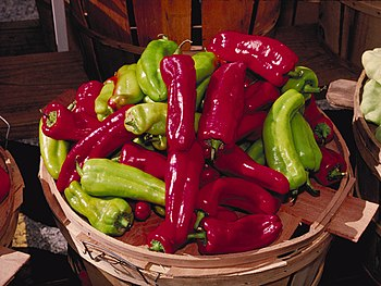 Green and red cubanelle peppers