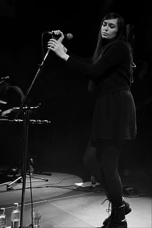 Cults (band) - Madeline Follin, 2014, Munich