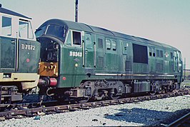De D6343 met een Hymek te Old Oak common in 1965