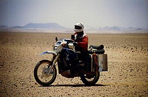 DR600 in the Algerian Sahara.JPG