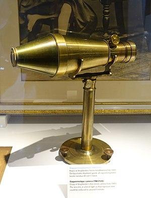 Voigtländer - Image: Daguerreotype camera, replica of Voigtlander's first metal camera from 1841, TM32508 Tekniska museet Stockholm, Sweden DSC01429