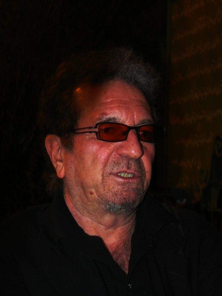 Dariush Mehrjoei