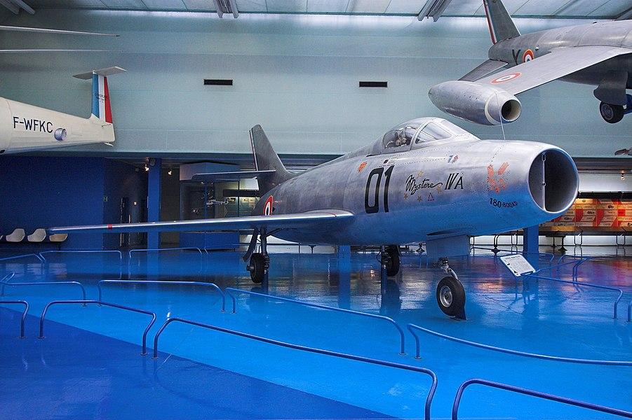 A French fighter Dassault Mystère IV.A(Musée de l'air et de l'espace, Le Bourget, France)