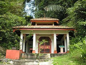 Malaysian folk religion - Shrine of Panglima Hijau, a Datuk or (in Malaysian Chinese) Na Tuk Kong, a god of the place on Pangkor Island.