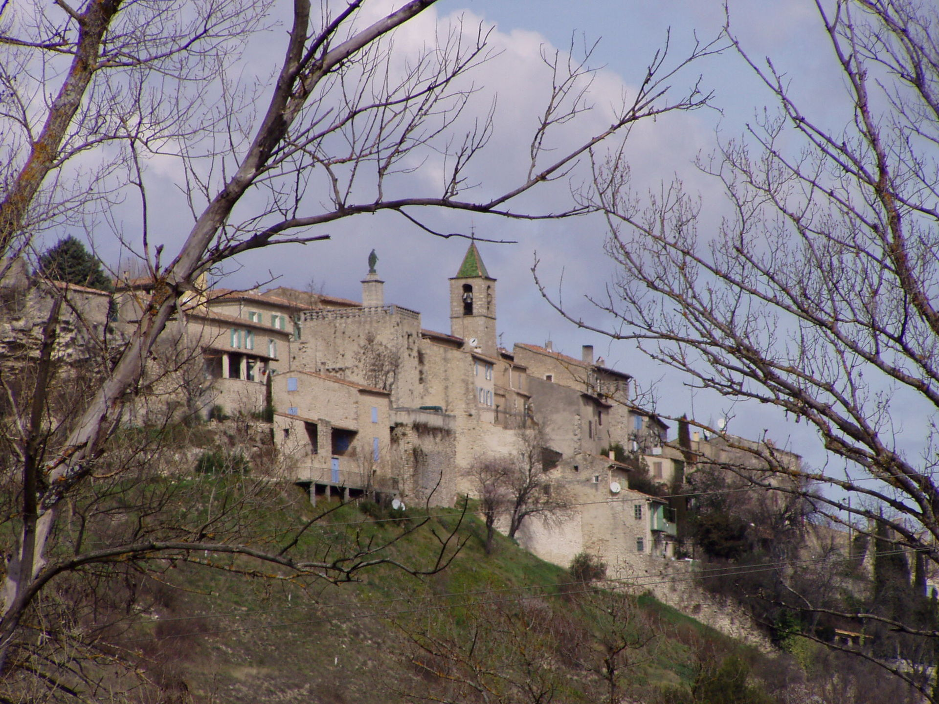 Dauphin alpes de haute provence wikipedia for Haute translation