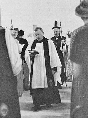 Chapter (religion) - Dean William Dimmick and other canons of St Mary's Cathedral in Memphis, Tennessee, in 1960.