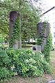 Denkmal Robert-Rössle-Str 10 (Buch) Säulenreste des Portikus.jpg