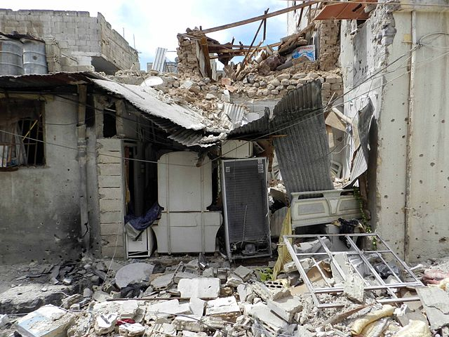 Destruction_in_Homs_%282%29.jpg: Syria Destruction