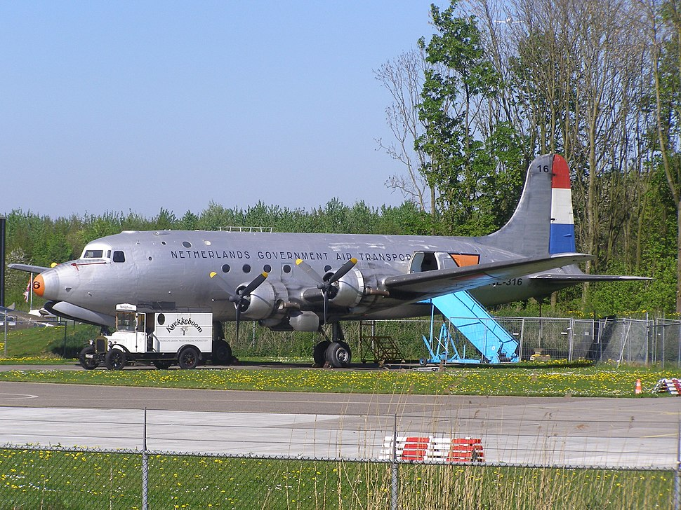Douglas-C-54-NL-316a