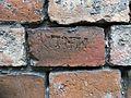 Dreifaltigkeitsfriedhof II - Ziegelstempel M-R.L.jpg
