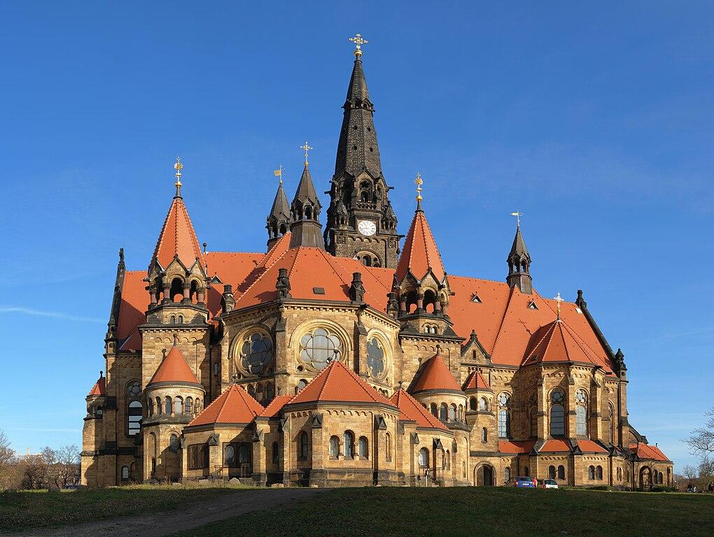 Face sud de l'Église de garnison Saint-Martin, à Dresde, en Allemagne. Photo de Kolossos.