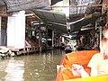 Dumnoen Saduak-Floating market - Plovoucí trh Dumnoen Saduak - panoramio - Thajsko.jpg