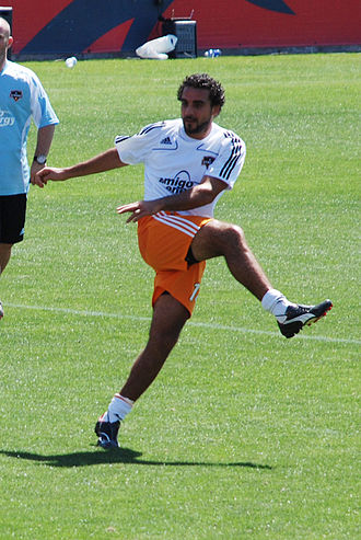 De Rosario in training with Houston Dynamo Dwayne De Rosario 031508.jpg