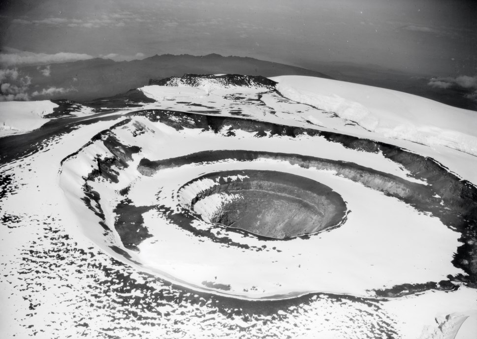 ETH-BIB-Blick ins Kraterloch des Kibo aus 6500 m H%C3%B6he-Kilimanjaroflug 1929-30-LBS MH02-07-0119