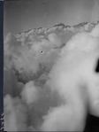 ETH-BIB-Tödi im Wolkenmeer v. N. aus 3200 m-Inlandflüge-LBS MH01-006341.tif