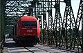 Eisenbahnbrücke Linz 2016.JPG