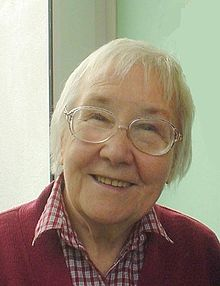 Elaine Morgan in 1998.jpg