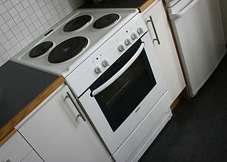 Electric stove stove with an integrated electrical heating device to cook and bake