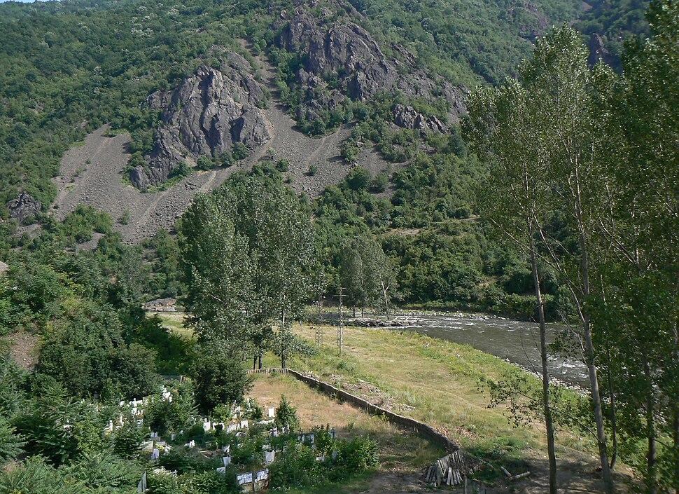 Eliseyna-cemetery-Iskar-river