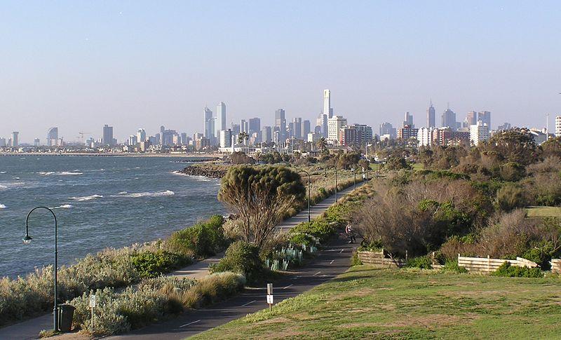 File:Elwood Beach and Melbourne Skyline.jpg