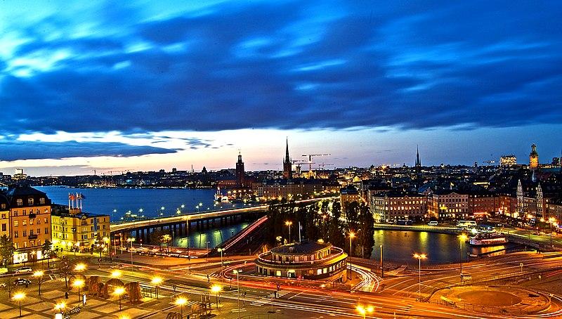 800px-Estocolmo_de_Noche....._%22_Blue_h