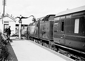 Evesham railway station - The former Midland Railway station seen on 27 September 1962 with the 1138 Redditch to Ashchurch train