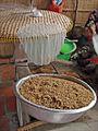 Fabrication des galettes de riz (Cai Be, Vietnam (6653085491).jpg
