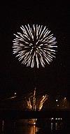 Feuerwerk Ruhrort 4.jpg