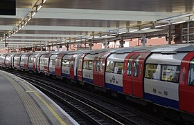 Finchley Road tube station MMB 01.jpg