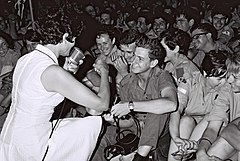Flickr - Government Press Office (GPO) - Yaffa Yarkoni entertaining Israeli soldiers in one of their camps.jpg