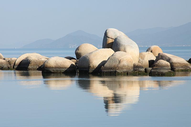 rochas da praia de itaguacu em florianopolis