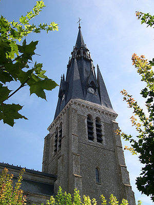 Beaune-la-Rolande - Different view of Saint-Martin church