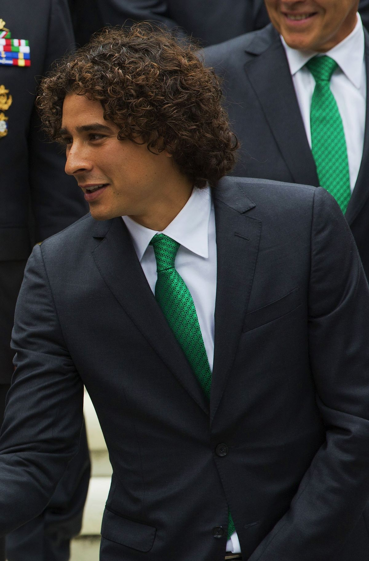 guillermo ochoa height