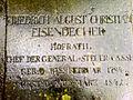 Friedrich August Christian Eisendecher Grabplatte Hofrat Chef der Generalsteuerkasse 11. Februar 1784 21. März 1842 Neustädter Friedhof Hannover.jpg
