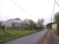Futuristic house at Barton on Station Road (geograph 2899119).jpg