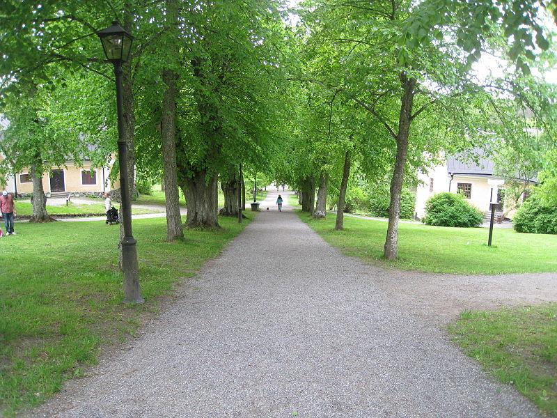 Görvälns Slottspark 2015-a2.jpg