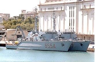 Lerici-class minehunter - Gaeta (foreground) and Numana