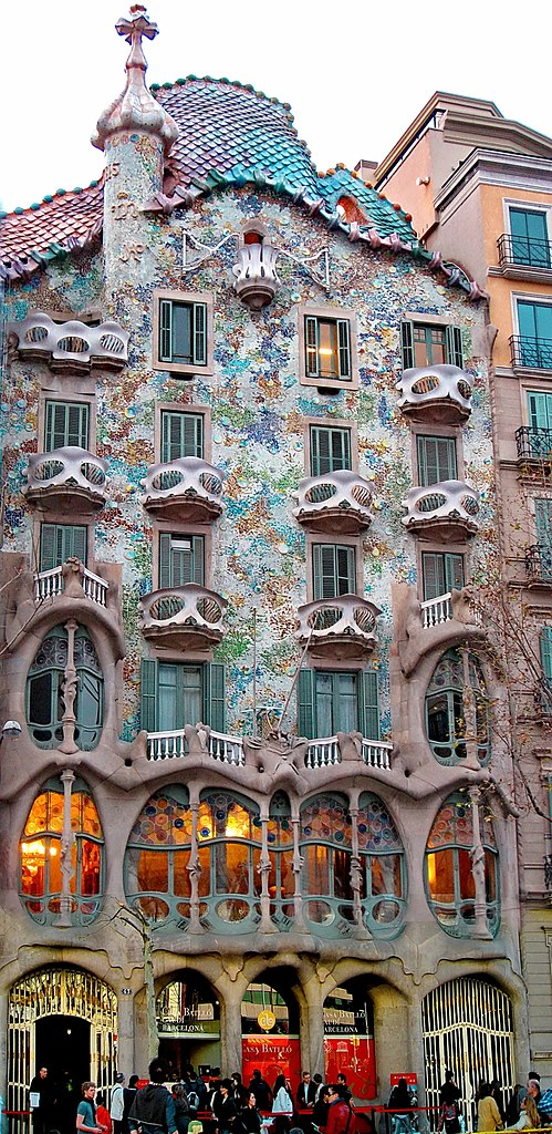 The Casa Batlló, remodeled by Antoni Gaudí and Josep Maria Jujol (1904–1906)