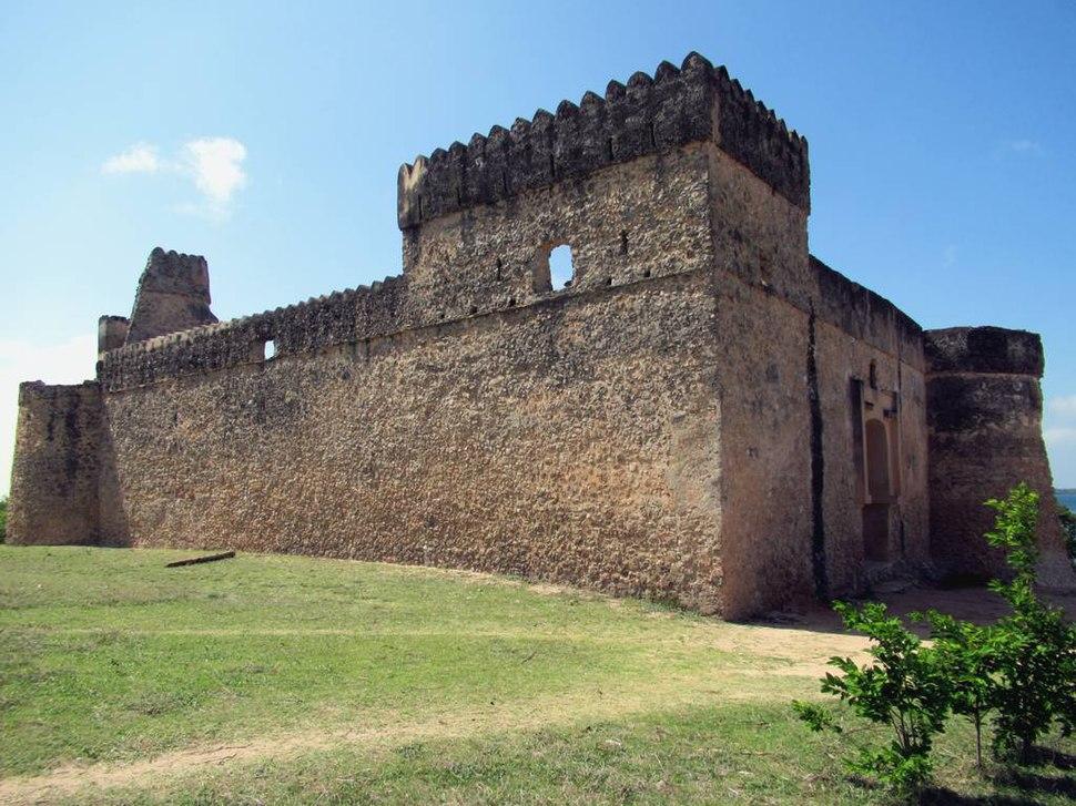 Gereza Kilwa Fort (34076199852)