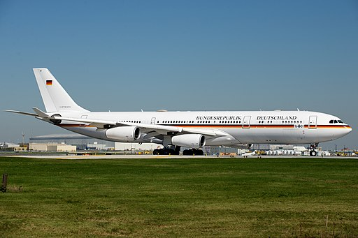 German Air Force, Airbus A340-300, 16+01 (15185684358)