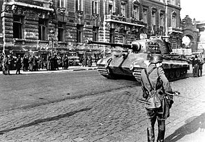 German tank in Budapest, October 1944.jpg