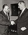 Giorgio Mondadori e Lyndon Johnson archivi Mondadori AA205945.jpg