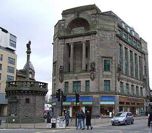 Edith Hughes (architect) - Glasgow Mercat Cross (left), designed by Edith Hughes in 1930