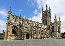 Gloucester Cathedral exterior 2019.JPG
